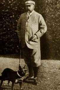 Re Edoardo VII d'Inghilterra ritratto con il suo bouledogue francese