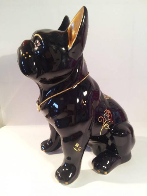 Statua bouledogue francese in ceramica con decorazioni color oro