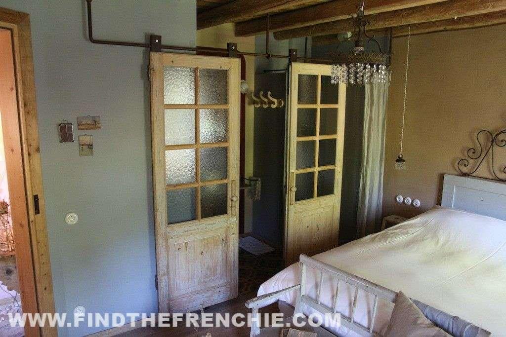 B&B Villa 61 - Dettaglio Stanza Lumiere - Le porte scorrevoli nascondono il bagno