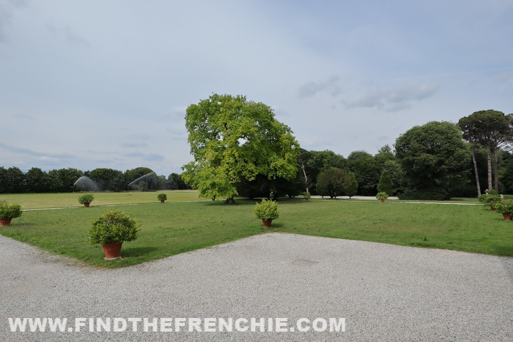 Il retro di Villa Emo che si apre sulla campagna veneta.